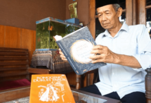 Budayawan Ahmad Tohari