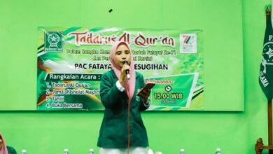 pembacaan puisi untuk Fatayat