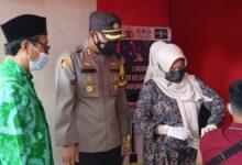 Ketua NU Cilacap Menyaksikan Vaksinasi