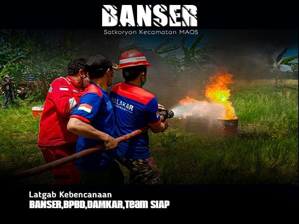 Satkoryon Banser Maos Latihan Penanggulangan Bencana Kebakaran